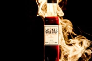 Smoked-Maple-Syrup-1www.mensgear.net-cool-gear-tech-mens-gadgets-grooming-style-gizmos-gifts-mens-gift-ideas-travel-entertainment-auto-cars-rides-watches-babes-blog-awesome-luxury-watches-architecture-beer-cool-unique-best-c