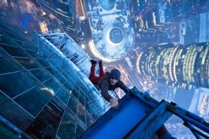 Ukrainian-Thrill-Seeker-Hangs-From-High-Elevations-in-Death-Defying-Photo-Series-1