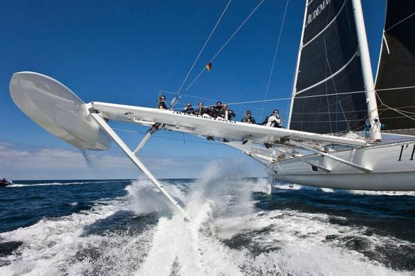 HYDROPTERE – WORLD'S FASTEST SAILBOAT