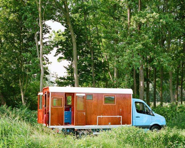 TONKE FIELDSLEEPER MOBILE CAMPER