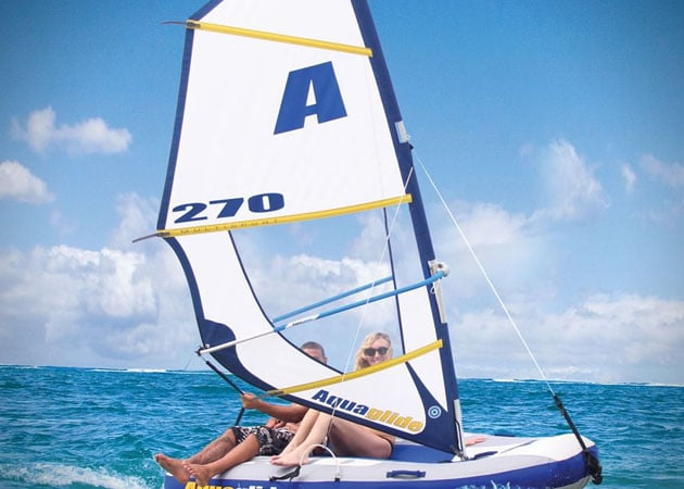 INFLATABLE WINDSURFER SAILBOAT
