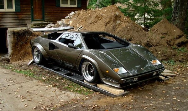 LAMBORGHINI COUNTACH HAND BUILT IN MAN'S BASEMENT