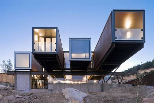 CATERPILLER HOUSE | CHIKEAB SHIPPING CONTAINER HOUSE