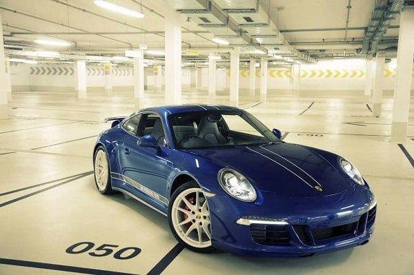 911 CARRERA DESIGNED BY FACEBOOK FANS