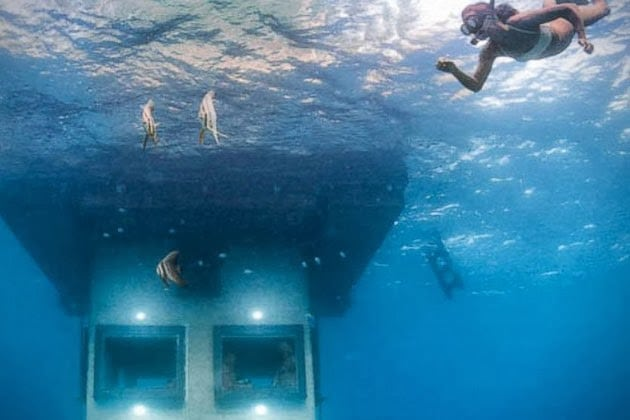 Underwater Floating Hotel Room At Manta Resort Men S Gear