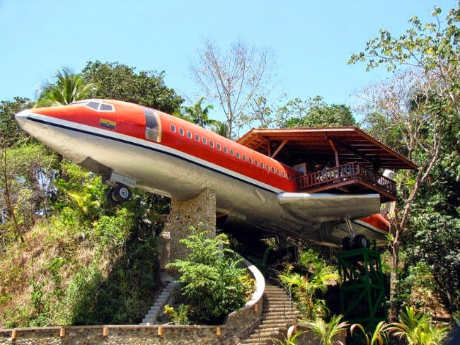 THE BOEING 727 HOTEL SUITE