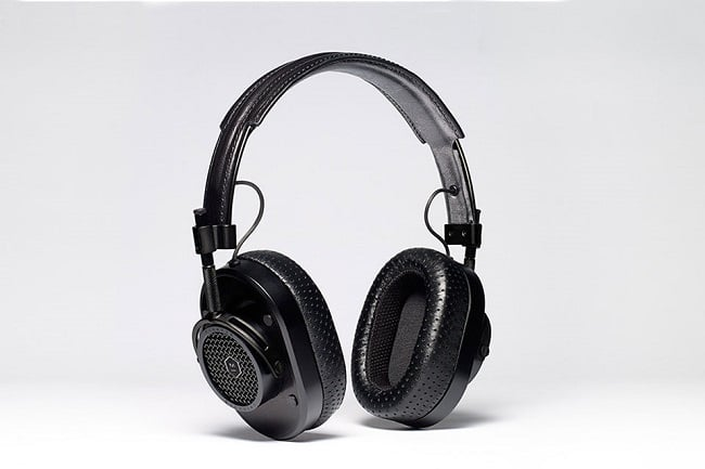 proenza-schouler-master-and-dynamic-mh40-headphones-01