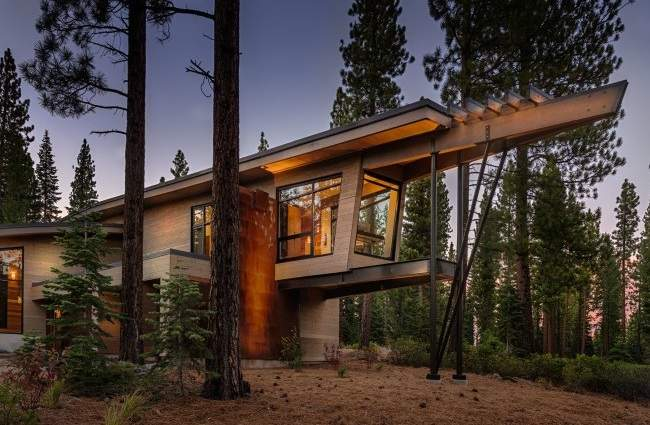 Flight House in California