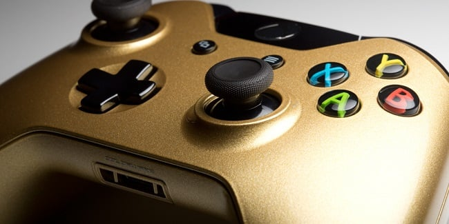 ColorWare 24K Gold DualShock 4 & Xbox One Controllers 2
