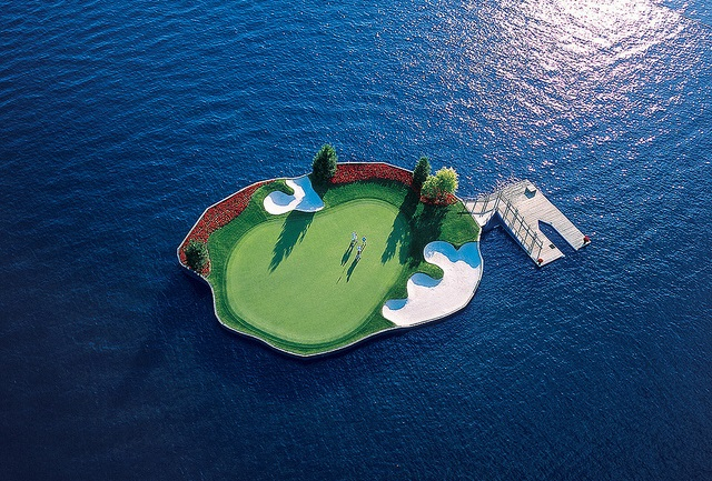 Floating Green Golf Course (2)