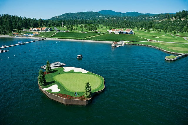 Floating Green Golf Course