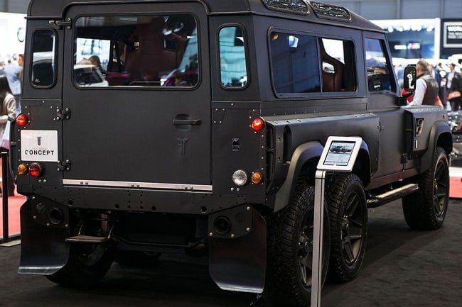 Land Rover Defender Flying Huntsman 6×6 Concept 5