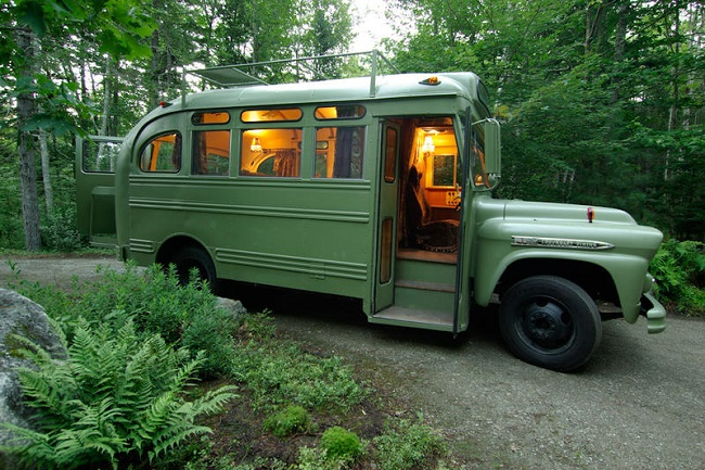 Short Bus Retro by Winkleman Architecture