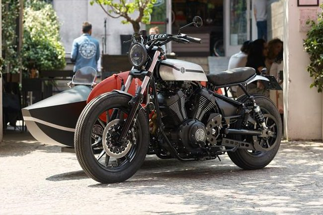 Deus Yard Built XV950 'D-Side' Motorcycle 1