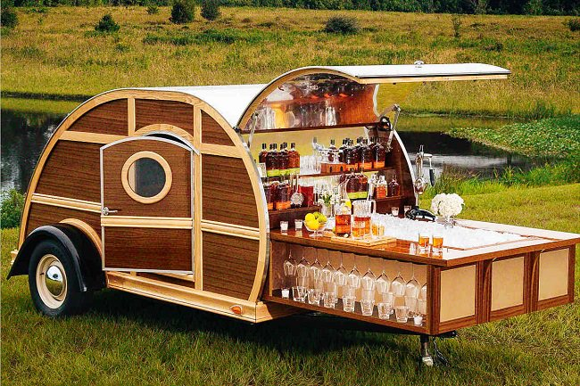 Bulleit Woddy Tailgate Trailer 5