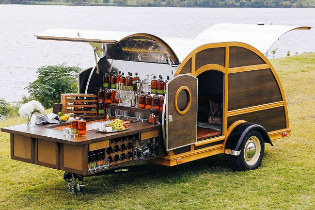 Bulleit Woddy Tailgate Trailer