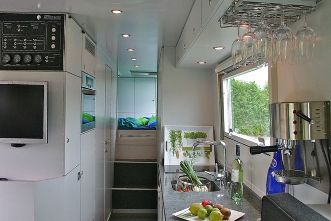 Globecruiser Motor Home interior 1