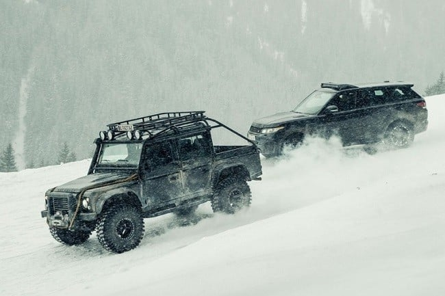 Land Rover Defender Spectre 2
