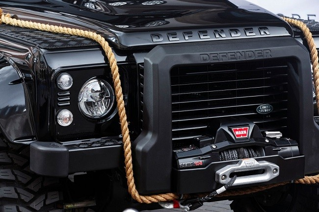Land Rover Defender Spectre 7