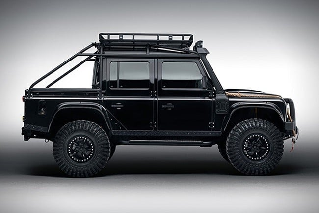 Land Rover Defender Spectre 8