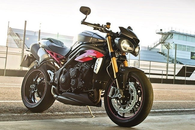 Triumph Speed Triple R and Triple S 4