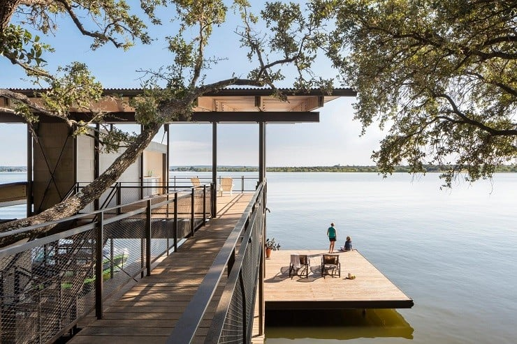 Blue Lake Retreat in Texas 6
