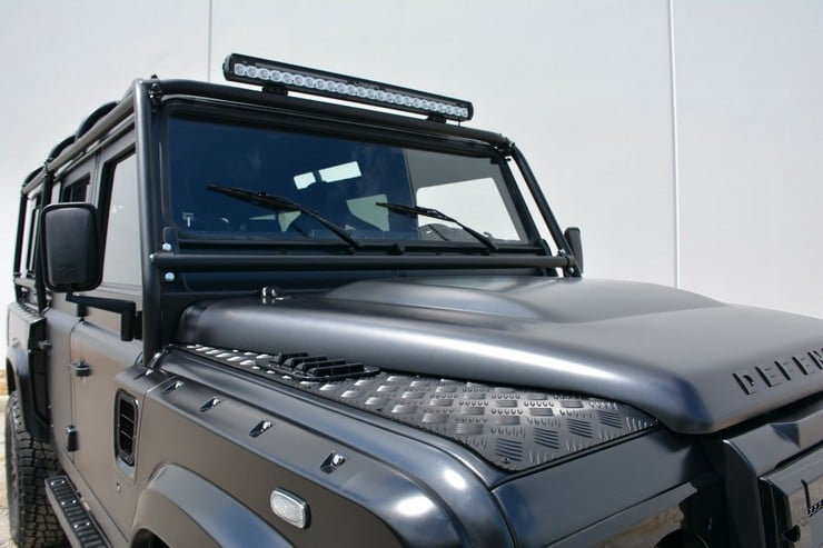 Land Rover Defender Beast 1