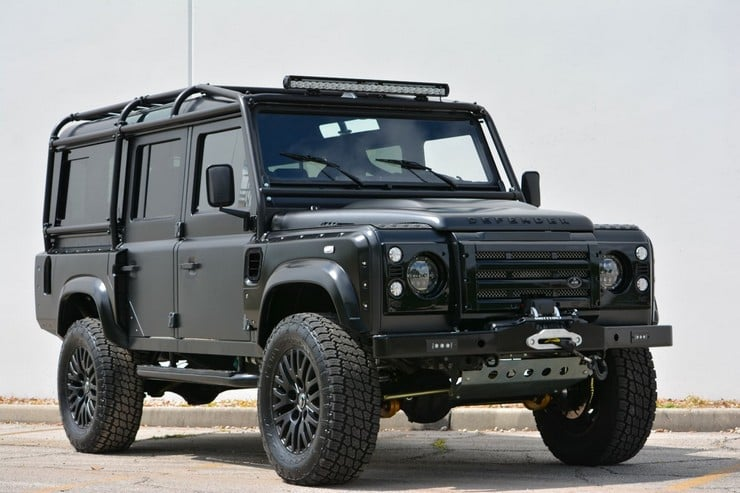 "Land Rover Defender ""Beast"""