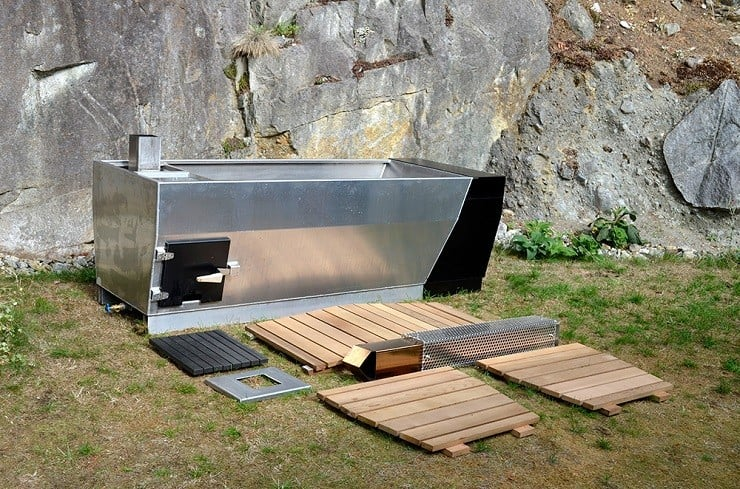 Soak Outdoor Wood-Fired Hot Tub 3