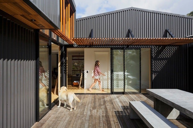 offSET Shed House in New Zealand 4