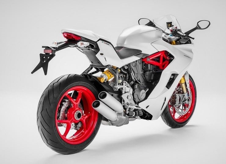 2017-ducati-supersport-4