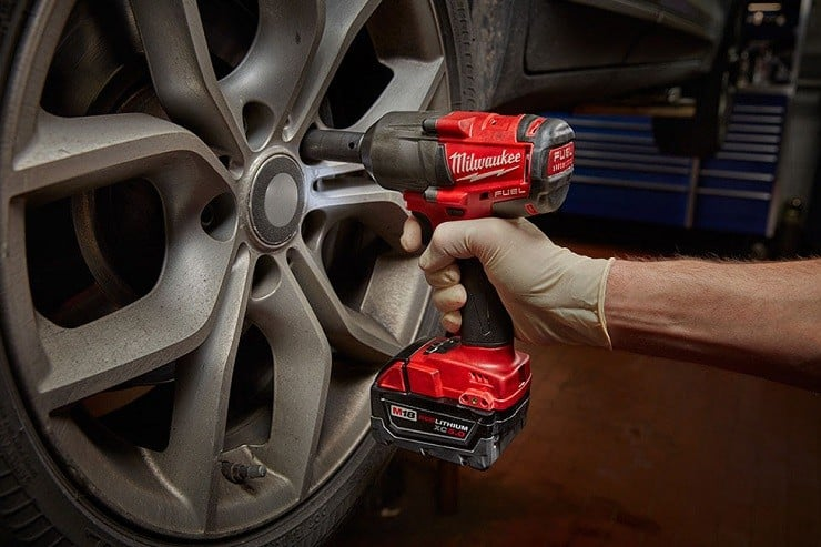 Milwaukee M18 FUEL Mid-torque Impact Wrench