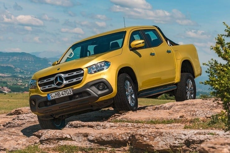 As pretty as this 4-door truck is it still has what it takes to work. It can haul a payload of up to 1.1 tons in the bed or tow up to 3.5 tons behind. & Mercedes X-Class Pickup Truck | Menu0027s Gear pezcame.com