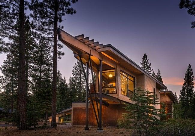 Flight House in California 4