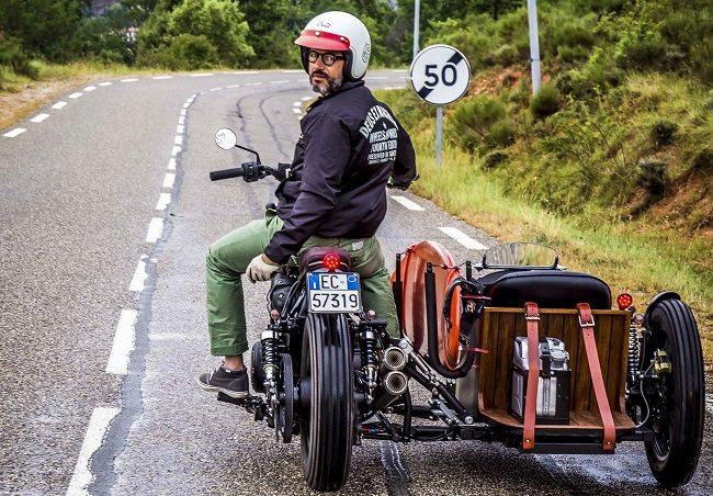 Deus Yard Built XV950 'D-Side' Motorcycle 12
