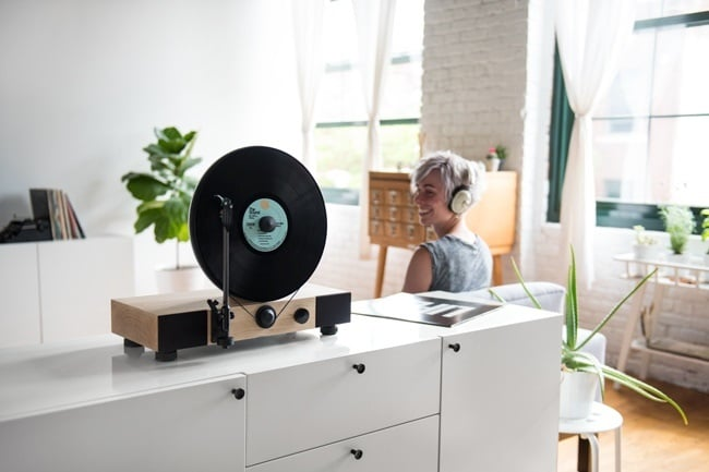 Floating Record Vertical Turntable 10