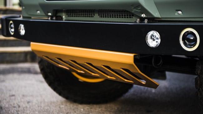 Kahn Design Land Rover Defender 2.4 d