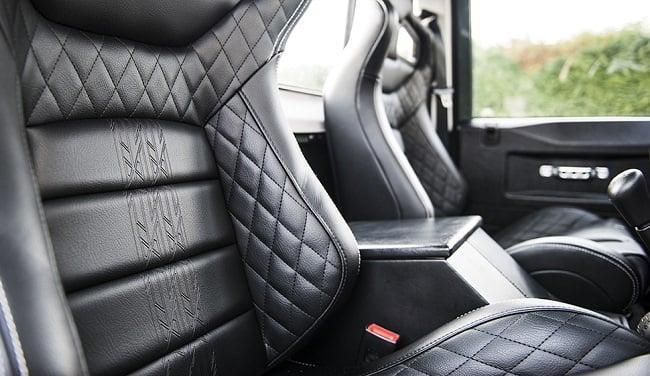 Kahn Design Land Rover Defender 2.4 f
