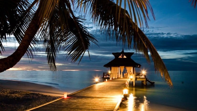 Banyan Tree Maldives Vabbinfaru Sunset