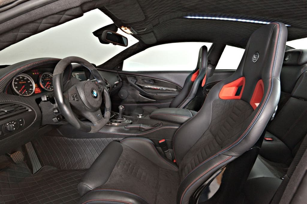 G6M V10 Hurricane CS Ultimate Black Interior