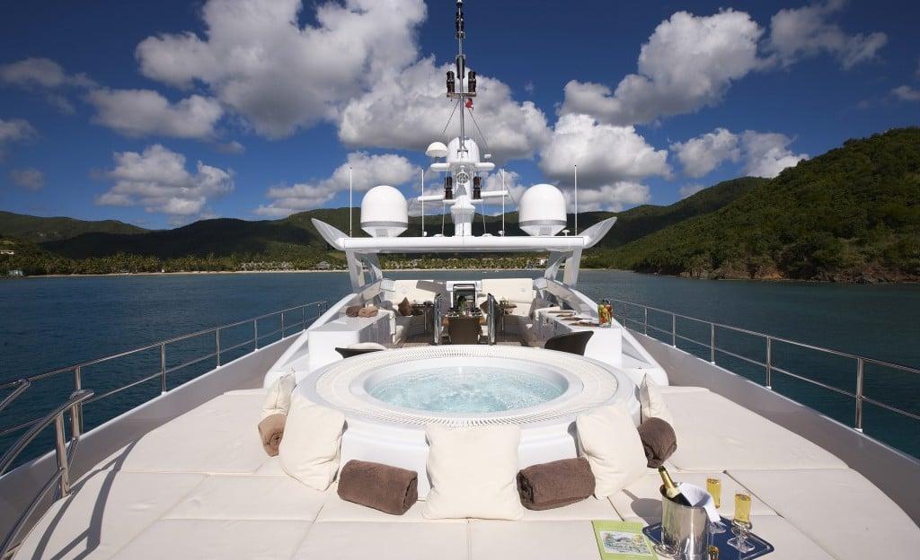 Ilona Luxury Yacht Jacuzzi