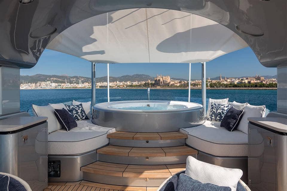Kiss Luxury Motor Yacht Jacuzzi