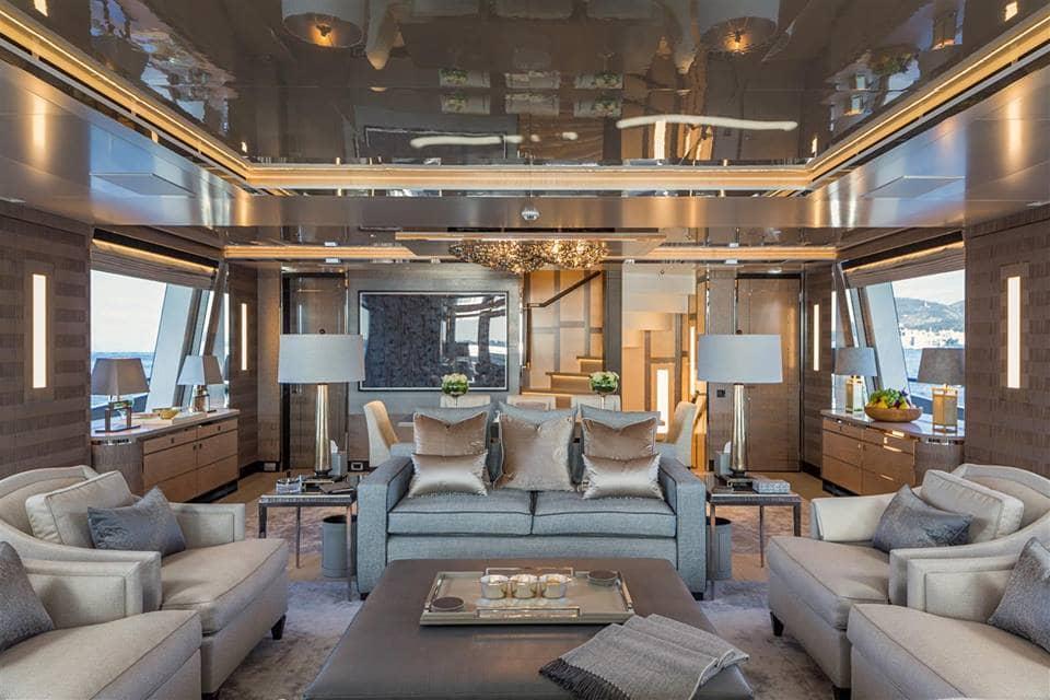Kiss Luxury Motor Yacht Saloon