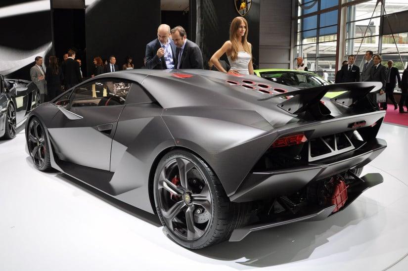 Lamborghini Sesto Elemento Side View