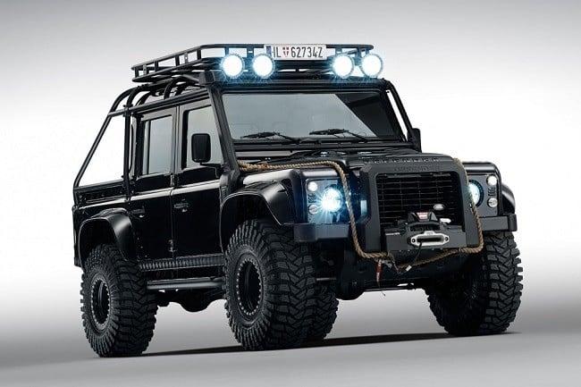 Land Rover Defender Spectre 4