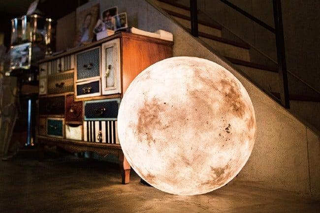 Luna Mooon Lantern 1