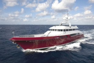 Quing (ex Mazu) Superyacht by Cheoy Lee Front View