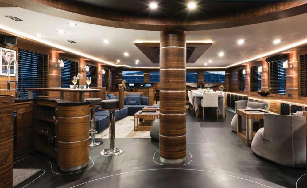 Rox Star Sailing Yacht Saloon