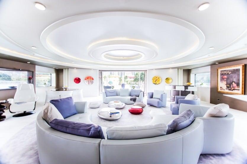 Saluzi Motor Yacht Living Space