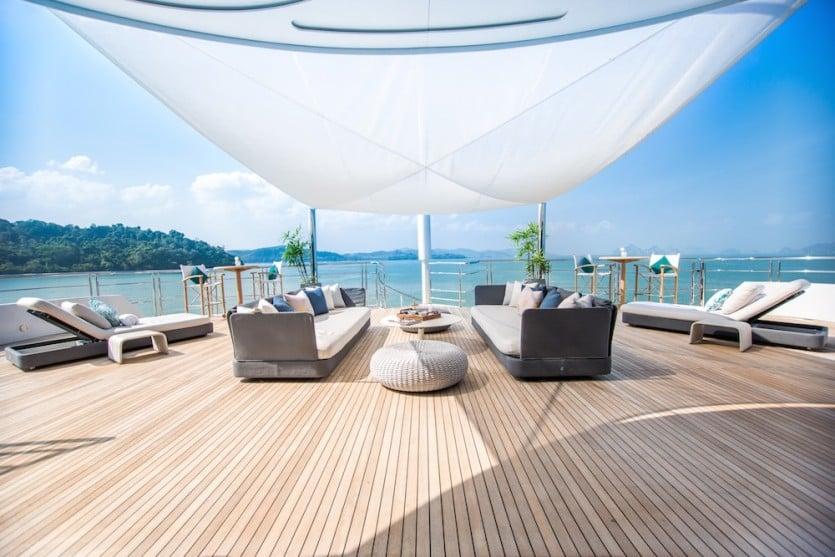 Saluzi Motor Yacht Multiple Decks